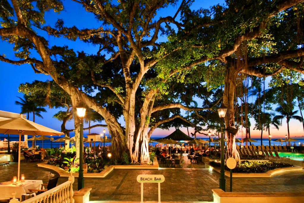 Banyan Courtyard at Sunset Courtesy of Moana Surfrider A Westin Resort & Spa