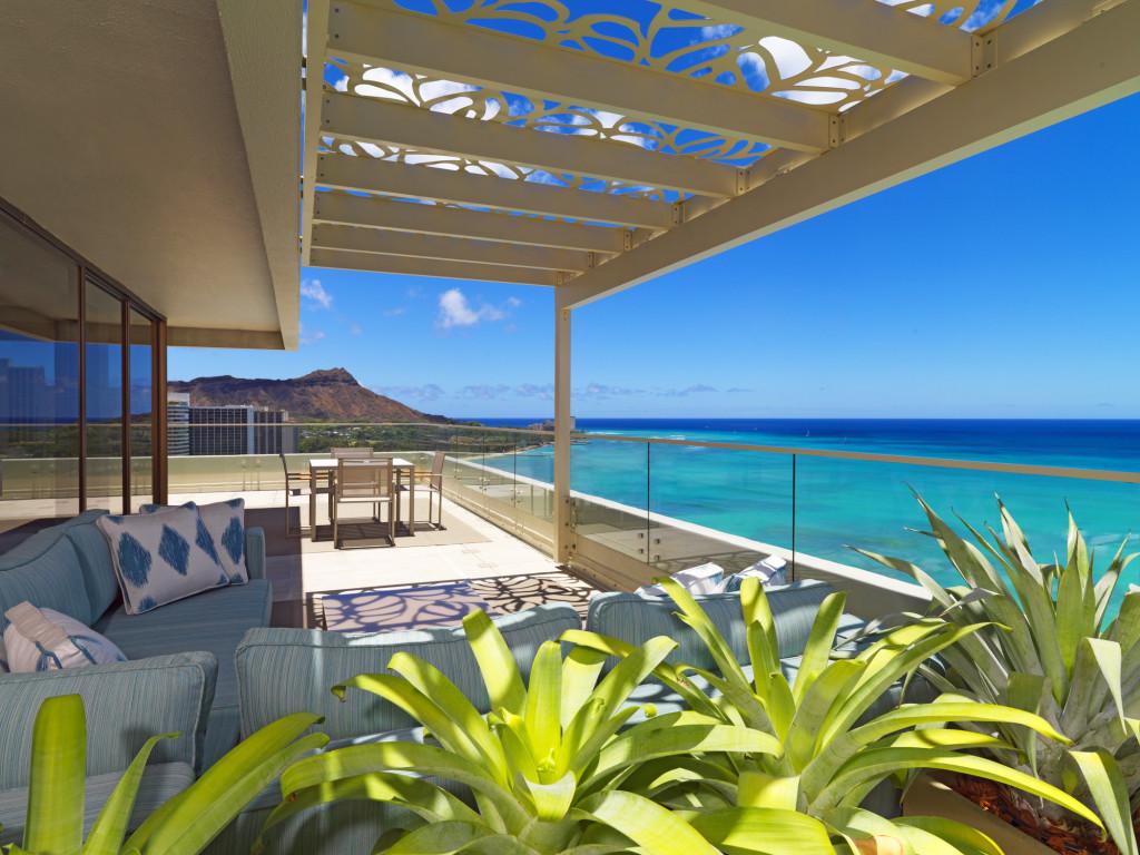Moana Surfrider-Penthouse Suite 2110 - Diamond Head Facing Lanai Courtesy Westin Resort & Spa