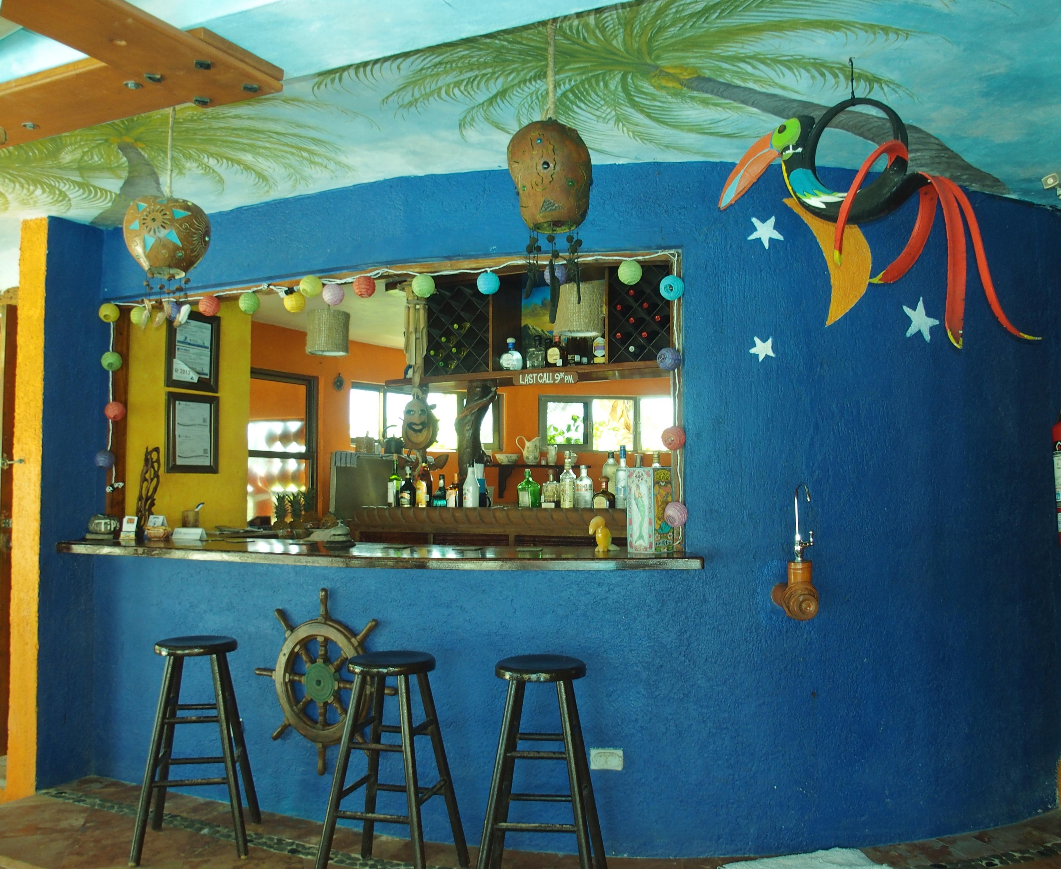 Villa La Bella bar