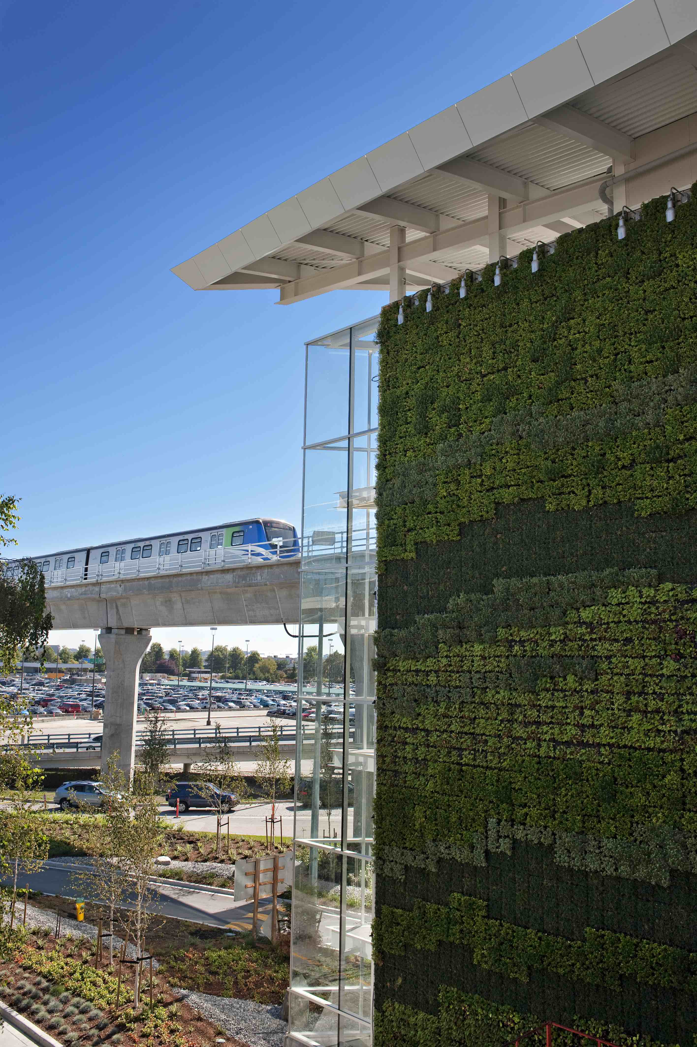 Luxe layovers yvr for Green wall vancouver