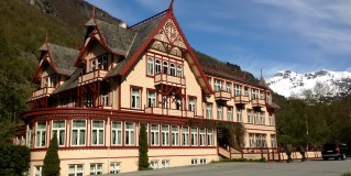 Historic Hotels of Norway: Tradition, Style and Leisure