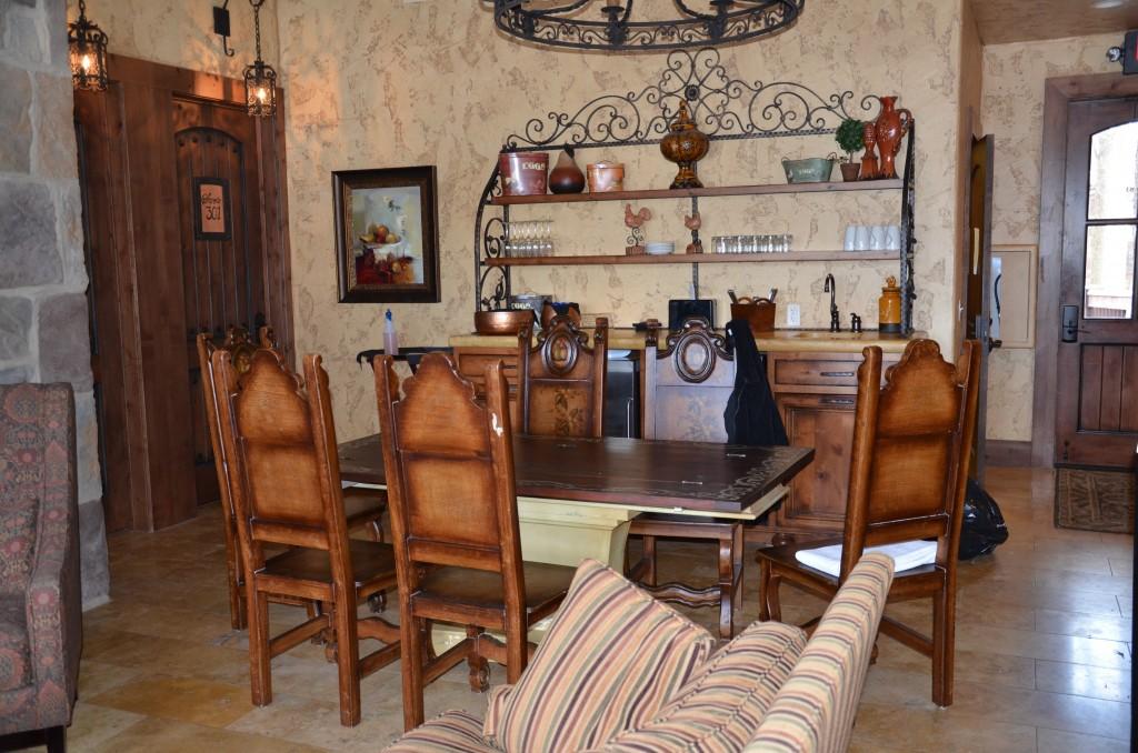Dining area in a villa